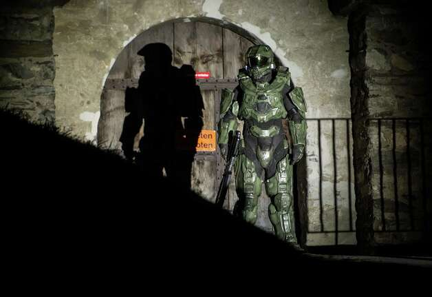Master Chief stands guard at the Balzers Castle during the HALO 4 launch