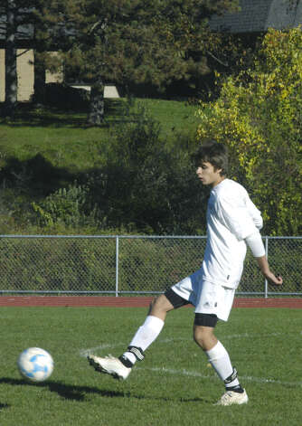 Shepaug Valley High School boys'soccer match vs. Gilbert, Oct. 11, 2012 in Washington. Photo: Norm Cummings