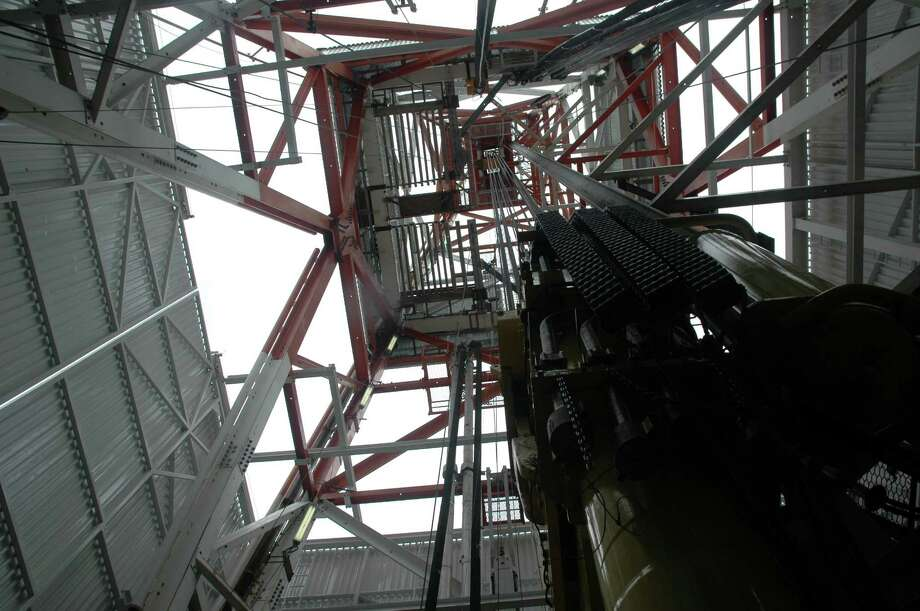 Shown is the 300-foot-tall NOV derrick on the Kulluk. This view is looking up from the rig floor. (Jennifer A. Dlouhy / The Houston Chronicle) Photo: Jennifer A. Dlouhy