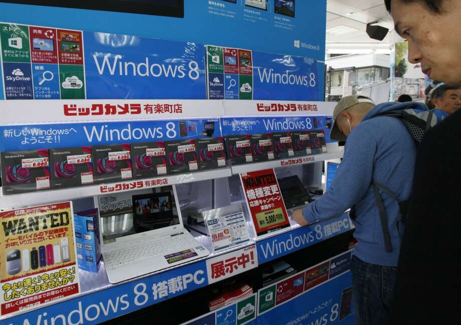 Windows 8MicrosoftOperating system designed to work on traditional  computers and tabletsFeatures array of tiles instead of start  menuTouch-enabled  interfaceWorks with keyboard shortcuts,  mouseBasic and Pro versions of full operating  systemRT version for  tabletsSmartphone version  Devices from multiple manufacturers available    (Associated Press)