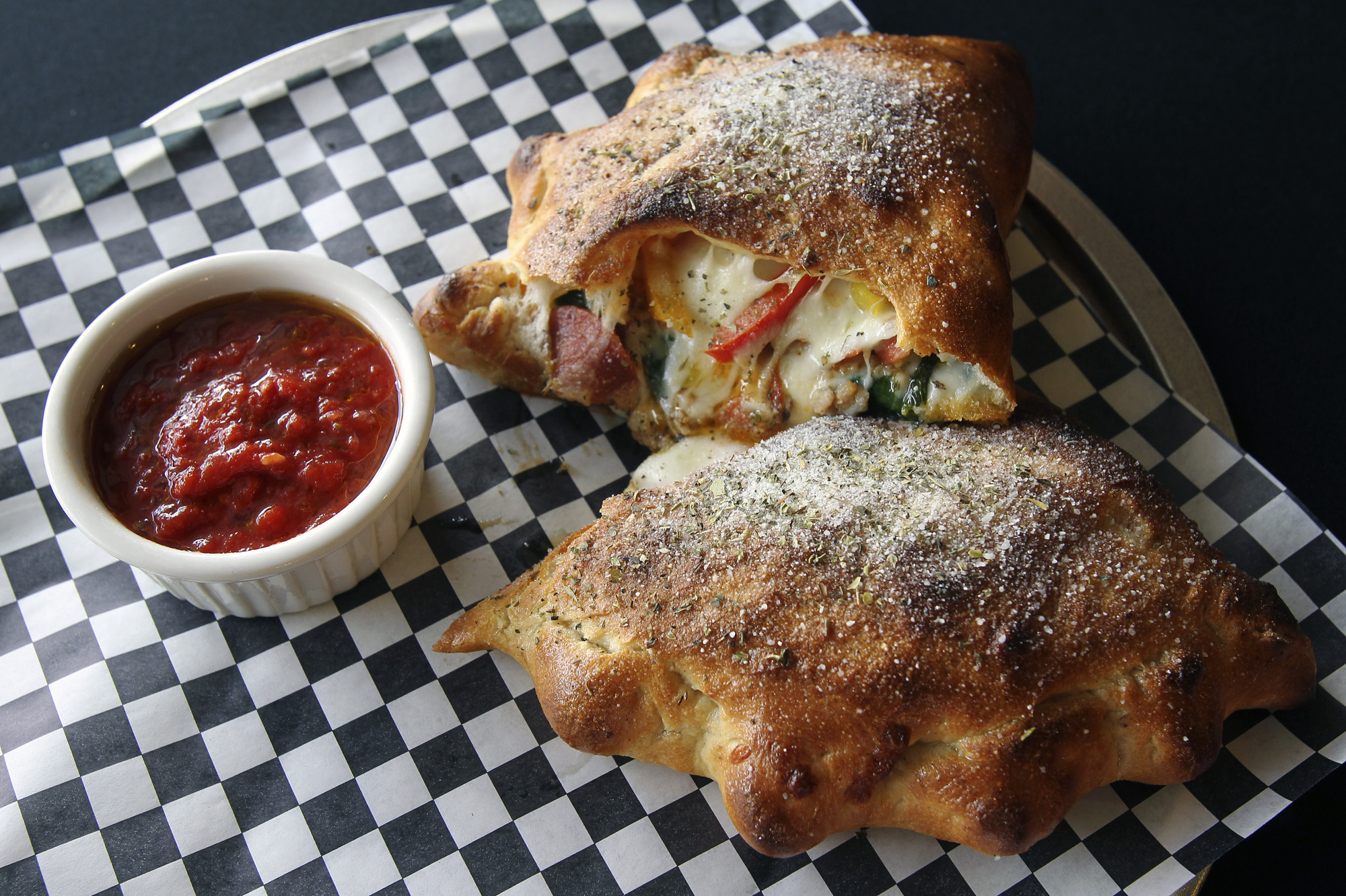 Dining on a Budget | Tank\'s Pizza - San Antonio Express-News