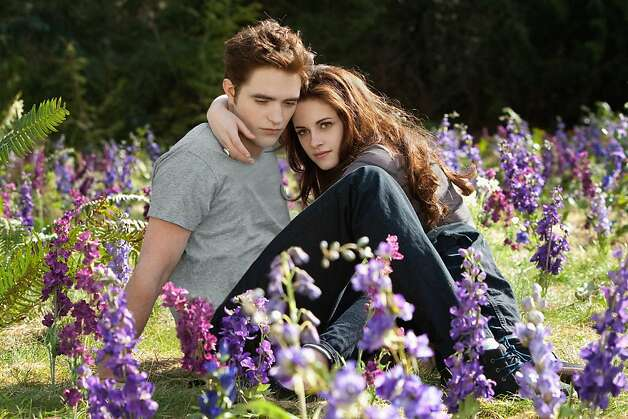 Em cinco de 'Crepúsculo' filmes, Robert Pattinson interpreta Edward Cullen e Kristen Stewart é Bella.  Foto: Summit Entertainment / SF