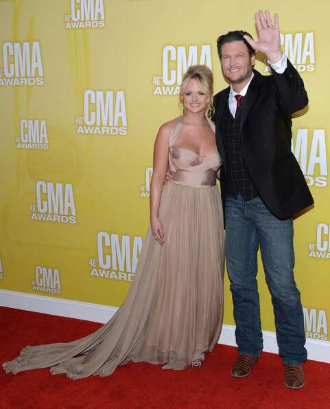 (L-R) Miranda Lambert and Blake Shelton attend the 46th annual CMA Awards at the Bridgestone Arena o