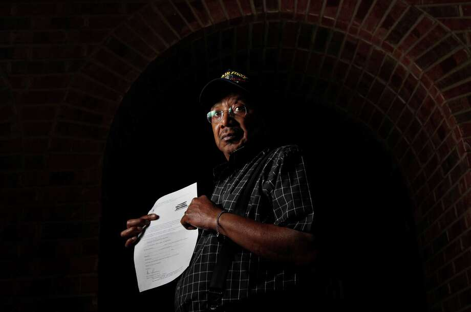 James Harris is one of thousands of Harris County voters who got letters asking if they were dead. Photo: Mayra Beltran, Staff / © 2012 Houston Chronicle