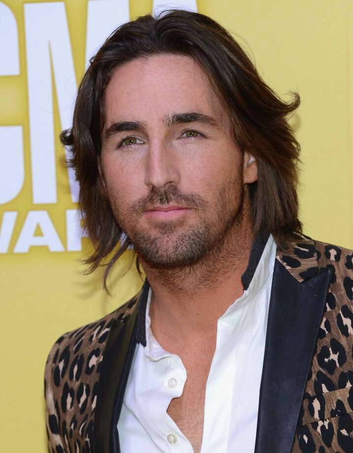 Jake Owen attends the 46th annual CMA Awards at the Bridgestone Arena on November 1, 2012 in Nashville, Tennessee. Photo: Jason Kempin, Getty Images / 2012 Getty Images