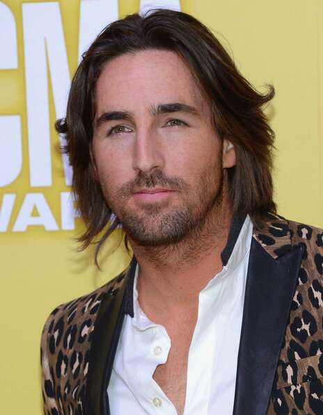 Jake Owen attends the 46th annual CMA Awards at the Bridgestone Arena on November 1, 2012 in Nashvil