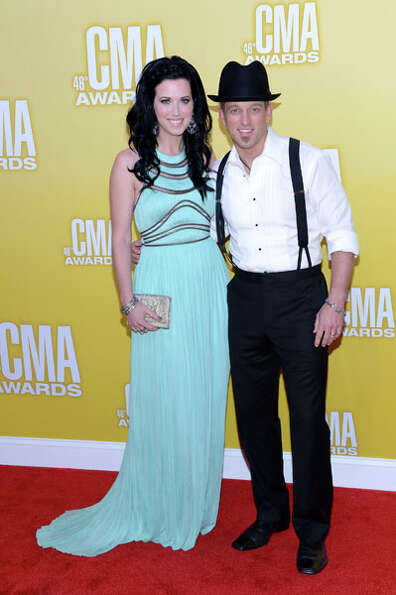 (L-R) Shawna Thompson and Keifer Thompson of Thompson Square attend the 46th annual CMA Awards at th