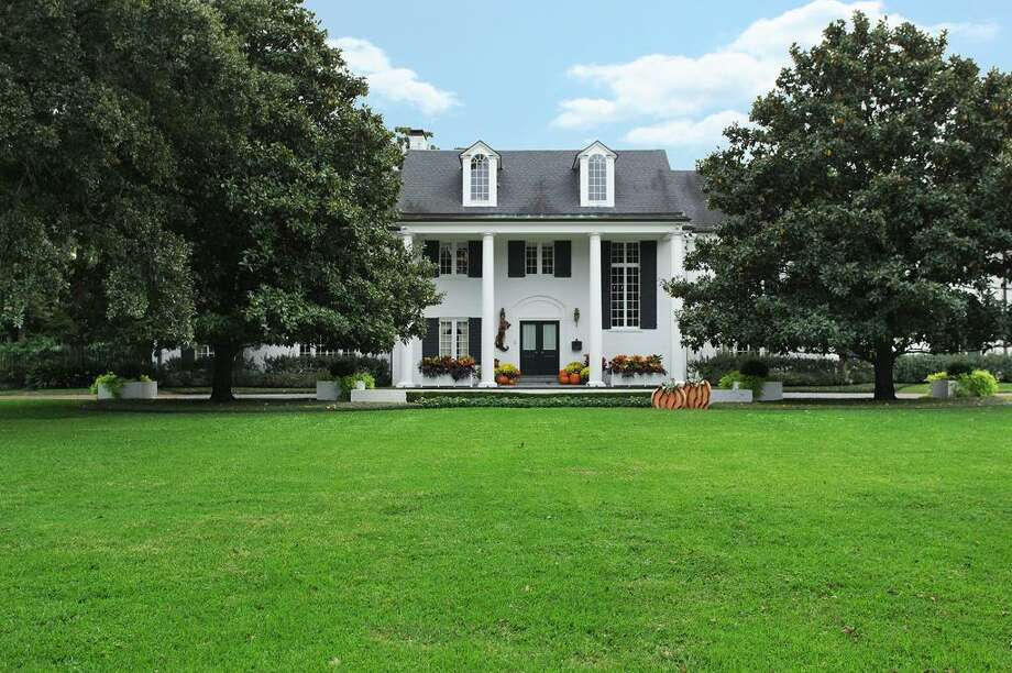 5 Briarwood Court: $9,250,000 Photo: JDR, John Daugherty Realtors
