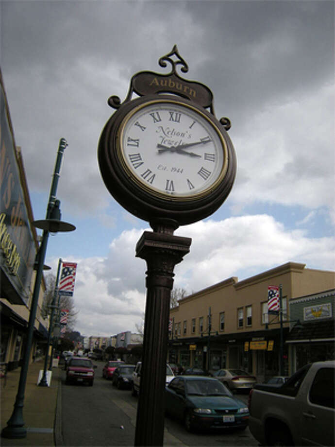 43. Auburn: The richest 5 percent in this community were paid 15.5 percent of the pay, while the poorest 20 percent received 4 percent of the pay. Photo: Joe Mabel/Wikimedia Commons, /