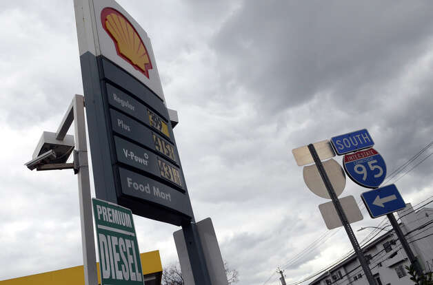The Shell gas station on West Ave. in Stamford on Friday, Nov. 2, 2012. The gas station closed the entrance on West Ave. to better control the flow of traffic into the station. Cars were forced to enter the station on Grenhart Rd. Controlled chaos ensued at Stamford gas stations as New Yorkers and Conn. residents descend on the area to fill up tanks and containers. A run on Stamford and Greenwich gas stations by fuel-starved New York and New Jersey residents continued Friday, Nov. 2, 2012. Traffic jams were common around some of the more popular stations in downtown Stamford and those open by Interstate-95. Photo: Amy Mortensen / Connecticut Post Freelance