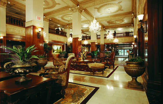 The lobby of the historic Gunter Hotel in 2006 Photo: COURTESY PHOTO