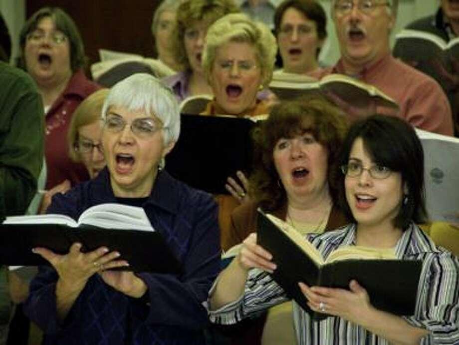 Singer scholarships are open. (Fotolia.com)