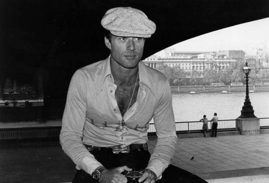 Robert Redfordin full '70s glory: Tight shirt and plunging neckline.  Photo: Victor Blackman, / / Hulton Archive