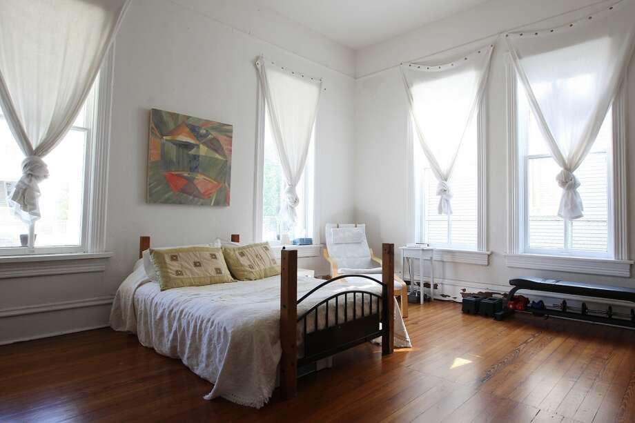 A view of the guest bedroom at the Johanna and Ziad Sawalha house on Lavaca Street, Tuesday, Oct. 30, 2012. (San Antonio Express-News)