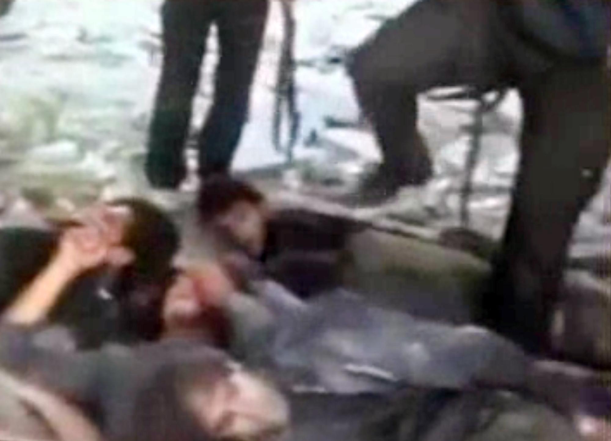 Пытки женщин иглами 26 фотография