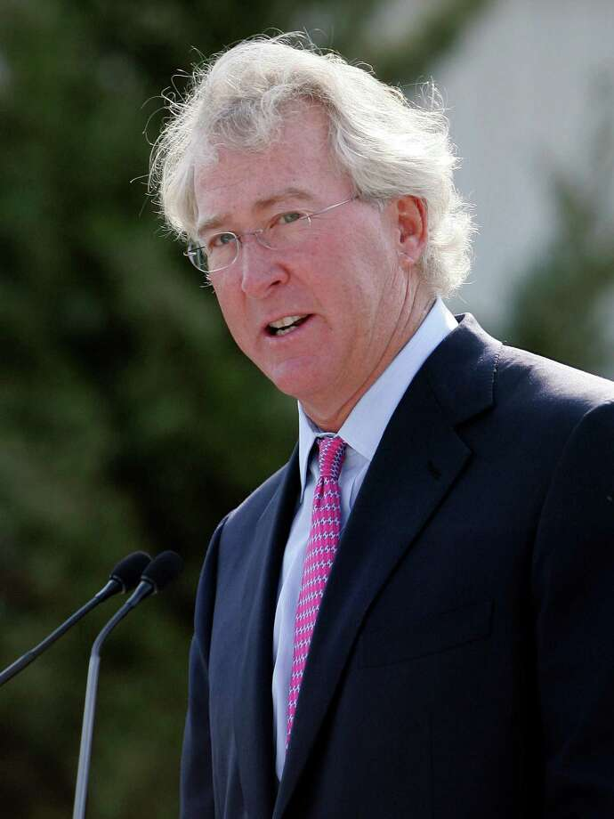 FILE - In a Sept.8, 2009 file photo, Chesapeake Energy Corp. CEO Aubrey McClendon speaks during the opening of a compressed natural gas filling station in Oklahoma City. McClendon said Tuesday, May 1, 2012 that  he is giving up the chairmanship of Chesapeake Energy Corp. following shareholder complaints that his personal business interests could conflict with those of the company he runs. The Chesapeake founder will remain as CEO. The company's board said it's searching for a non-executive chairman.  (AP Photo, File) Photo: Anonymous, STF / AP2009