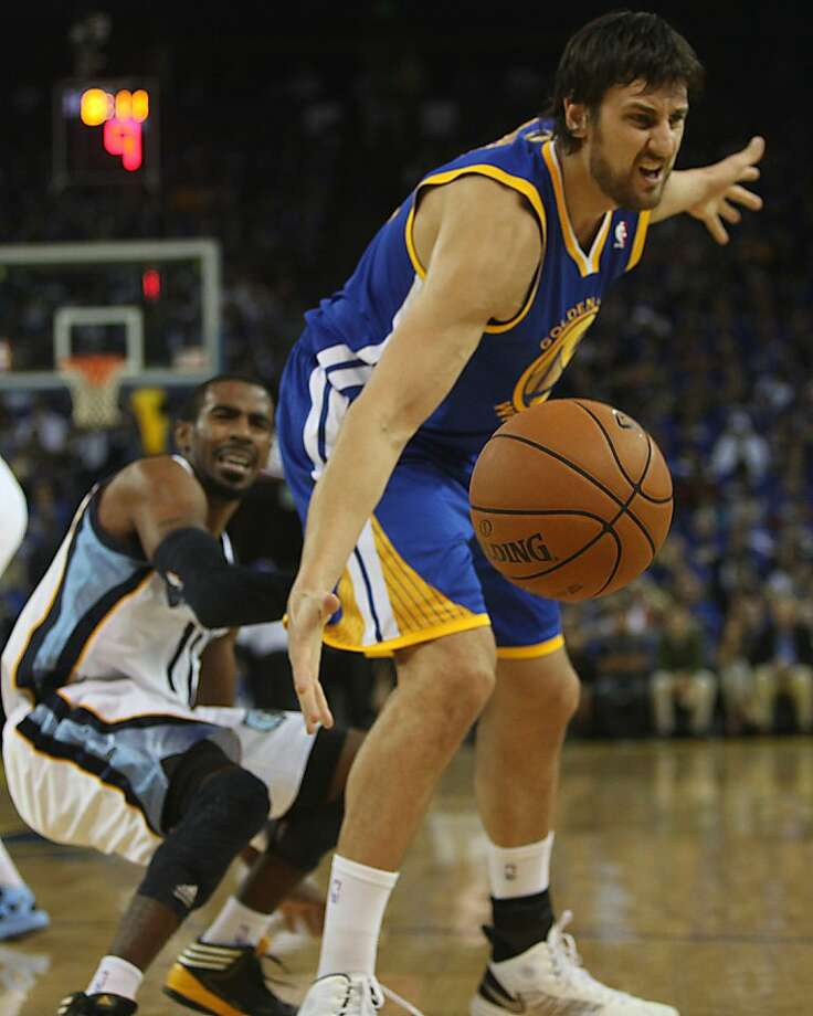 Warriors Andrew Bogut hurts looses the ball during the first half as the Golden State Warriors play the Memphis Grizzlies at Oracle arena in Oakland, Calif.,  on Friday, November 2, 2012. Photo: Liz Hafalia, The Chronicle