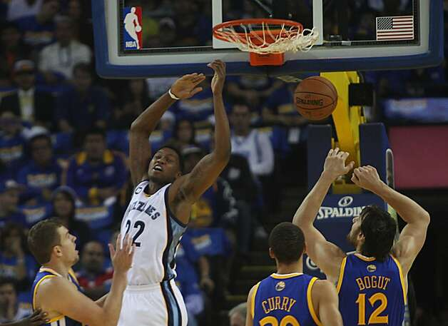 Grizzlies Rudy Gay  scores  during the first half as the Golden State Warriors play the Memphis Grizzlies at Oracle arena in Oakland, Calif.,  on Friday, November 2, 2012. Photo: Liz Hafalia, The Chronicle