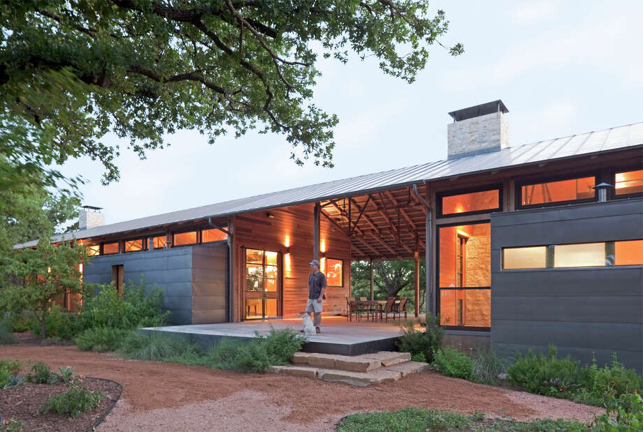 Cross Timbers: Recipient of the 2012 Honor Award. Lipan – Hood County. Architect: Lake|Flato Architects. Consultants: Jack Harrison – Structural, Harry J. Crouse – Interior Design, Rosa Finsley – Landscape. Photographer: Frank Ooms. Photo: Courtesy Photo