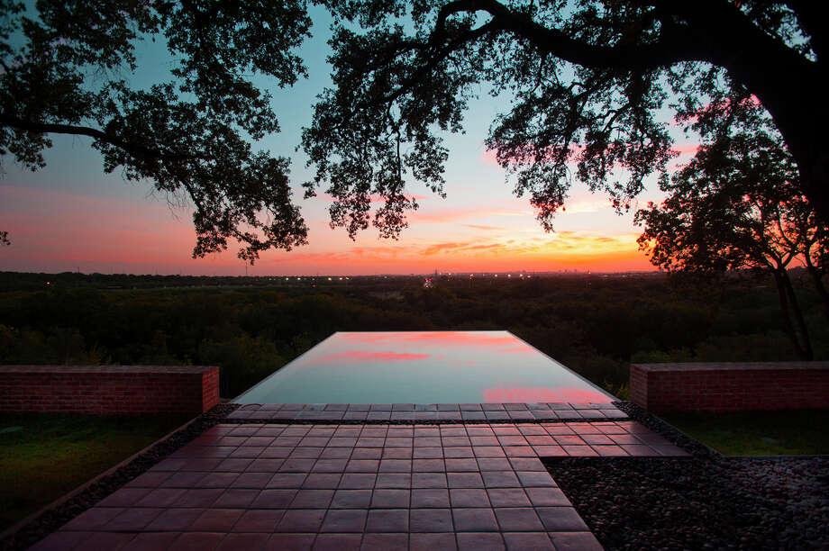 Rockridge Gardens: Recipient of the 2012 Honor Award. San Antonio - Bexar County. Client: Emma & Toby Calvert. Architect: Tobin Wells Smith, AIA. Contractor: RBC General Contractors. Consultants: Jack Harrison – Structural. Photographer: Kemp Davis. Photo: Courtesy Photo