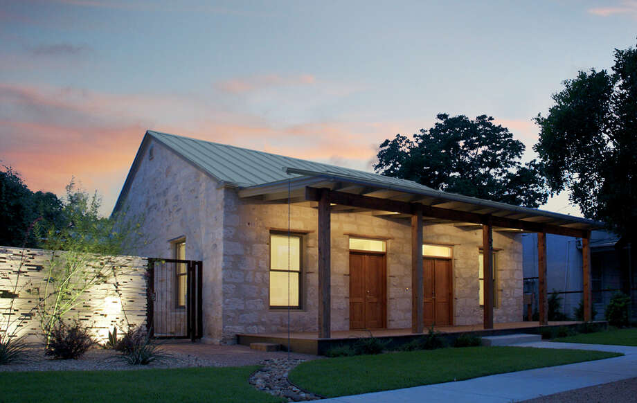 dos Diez: Recipient of the 2012 Merit Award. San Antonio. Client: Pamela & Mike McClain. Architect: Candid Rogers, AIA. Contractor: Hadar Construction. Consultants: WSC, Inc. - Structural, Carla Lanas – Interior Design, Hill Horticulture – Landscape Design. Photographers: Bailey Porter, Markl Menjivar & Candid Rogers. Photo: Courtesy Photo
