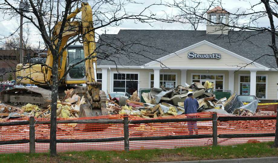 Renovations continue at the Stewart's store at the intersection of Troy and Vly Roads in Niskayuna  Friday Nov. 2, 2012.  (John Carl D'Annibale / Times Union) Photo: John Carl D'Annibale