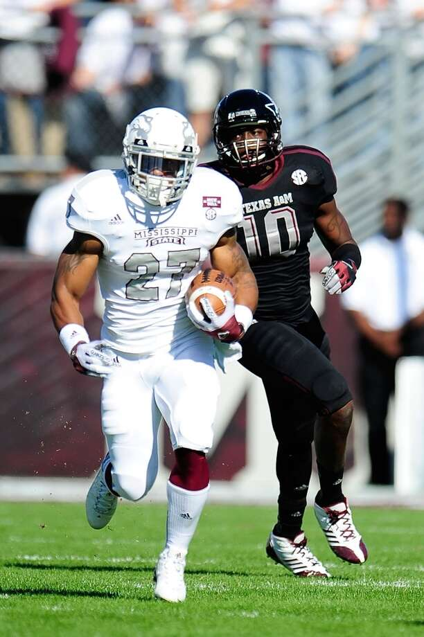 LaDarius Perkins #27 of the Mississippi State Bulldogs runs for yards against the Texas A&M Aggies at Wade Davis Stadium on November 3, 2012 in Starkville, Mississippi.   (Stacy Revere / Getty Images)