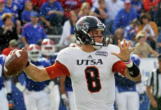 Louisiana Tech 51 - UTSA 27: Texas-San Antonio quarterback Eric Soza looks to pass against Louisiana Tech in an NCAA college football game in Ruston, La., Saturday, Nov. 3, 2012. Photo: Kita Wright, AP / FR156206 AP