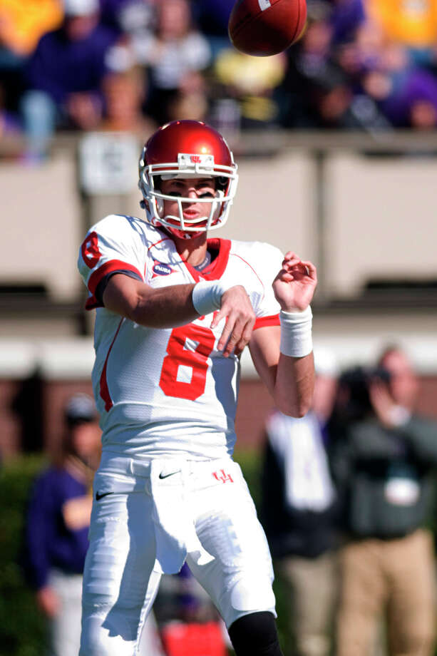 Houston's David Piland (8) passes against East Carolina during their NCAA college football game, Saturday, Nov. 3, 2012, in Greenville, N.C. East Carolina won 48-28. (AP Photo/The Daily Reflector, Scott Davis) Photo: Scott Davis, Associated Press / The Daily Reflector