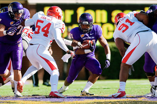 East Carolina 48, UH 28