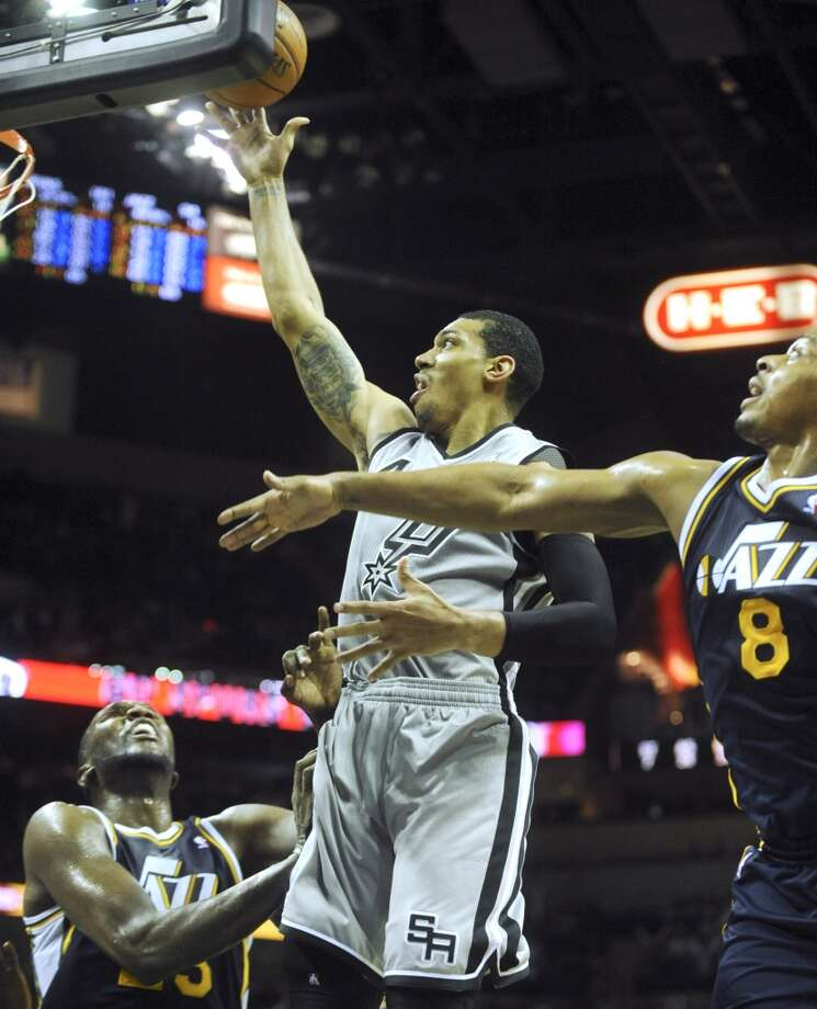 Danny Green of the San Antonio Spurs scores two of his 21 points on a layup late in the fourth-quarter against Utah in NBA action at the AT&T Center on Saturday, Nov. 3, 2012. (San Antonio Express-News)