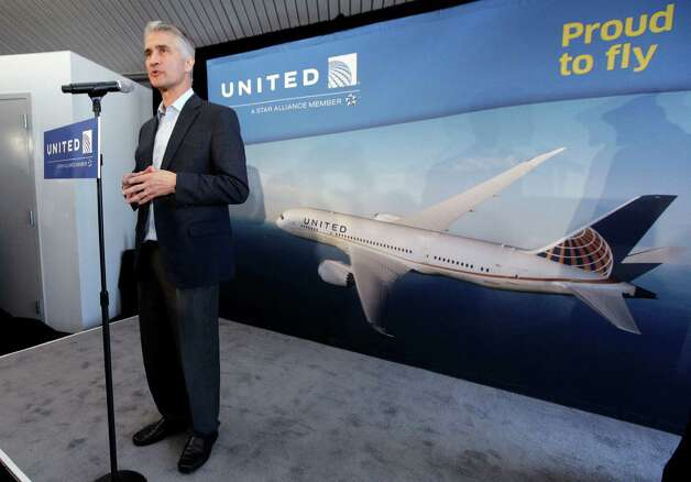United CEO Jeff Smisek speaks at a news conference after the company's 787 Dreamliner arrived from its inaugural revenue flight, at O'Hare international Airport from Houston, in Chicago, Sunday, Nov. 4, 2012. Photo: AP