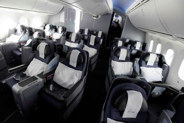 The interior of United Airlines' new Boeing 787 Dreamliner is shown after its inaugural revenue flight from Houston to Chicago, at O'Hare international Airport in Chicago, Sunday, Nov. 4, 2012. Photo: AP