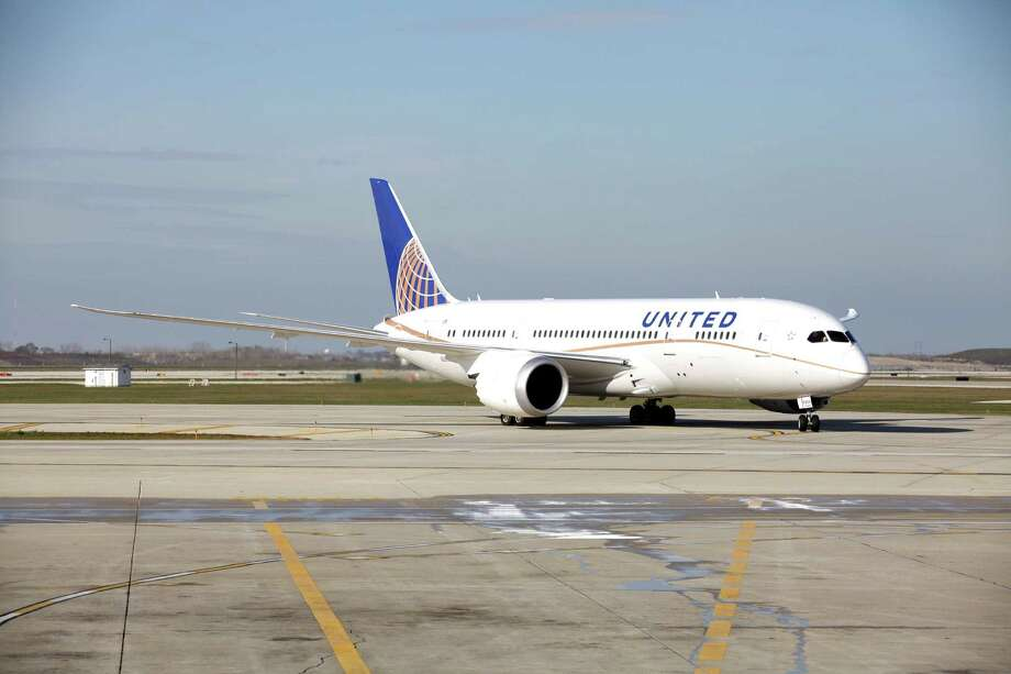That same day, a United Airlines 787 with 184 people aboard to made an 