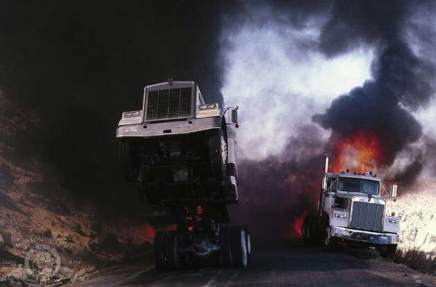 1989 License to Kill: 1986 Kenworth W-900 Truck Photo: Metro-Goldwyn-Mayer Studios Inc.