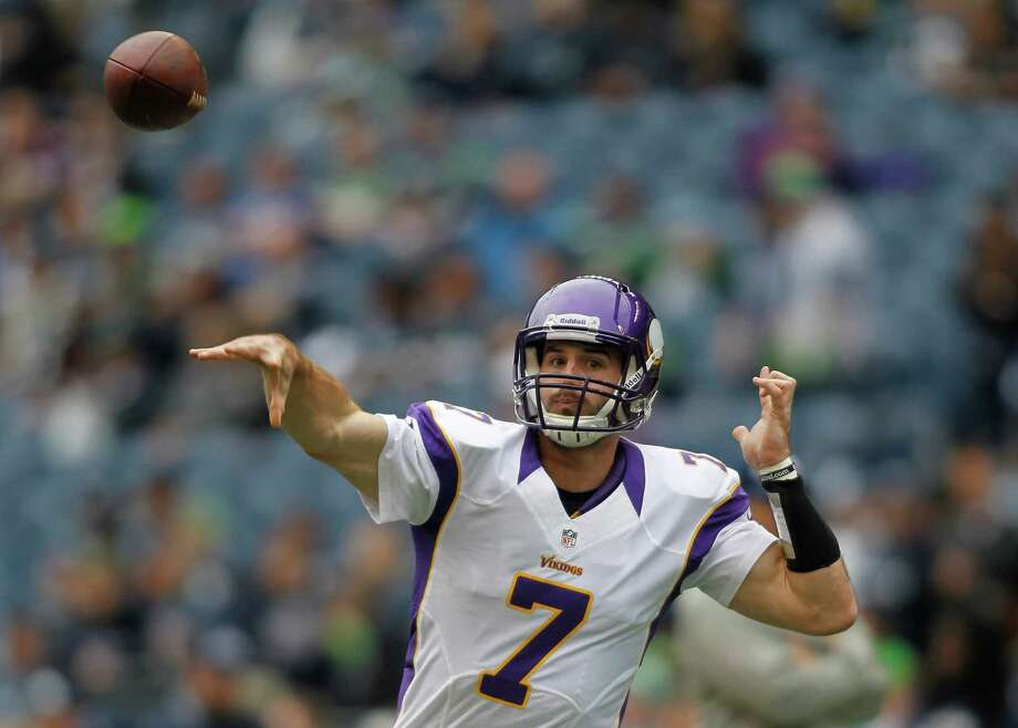 Minnesota Vikings quarterback Christian Ponder throws during warm-ups prior to an NFL football game against the Minnesota Vikings, Sunday, Nov. 4, 2012, in Seattle. Photo: AP