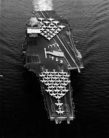 The USS Enterprise sails in the Mediterranean Sea on July 8,  1963. Photo: Keystone, Getty Images / Hulton Archive