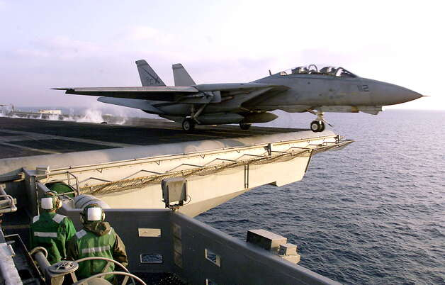 An F14 Tomcat takes off the flight deck of the USS Enterprise in the Adriatic Sea on January 26, 1999. Photo: GERARD JULIEN, AFP/Getty Images / AFP