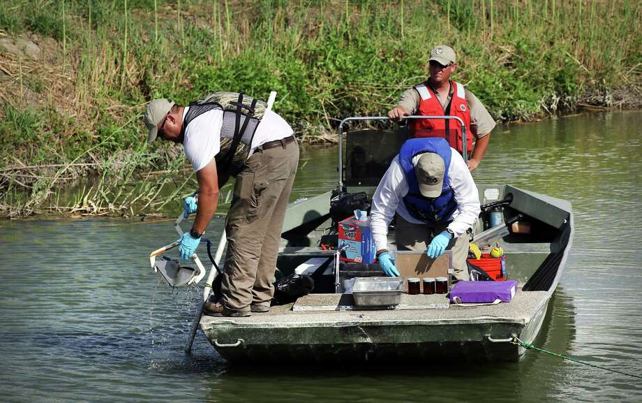 Environment:$8,467,000 for clean water and air quality, along with prevention of pollution from pesticides and hazardous waste. $2,235,000 in grants for fish and wildlife protection. Photo: BOB OWEN, San Antonio Express-News / © 2012 San Antonio Express-News