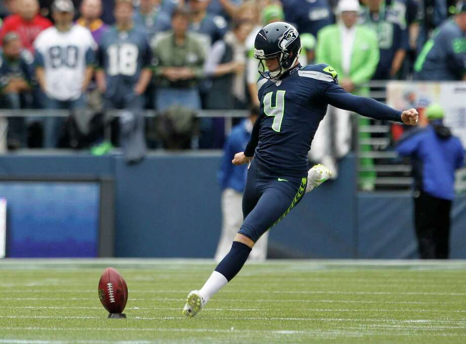 Seattle Seahawks' Steven Hauschka in action against the Minnesota Vikings in the first half of an NFL football game, Sunday, Nov. 4, 2012, in Seattle. Photo: AP