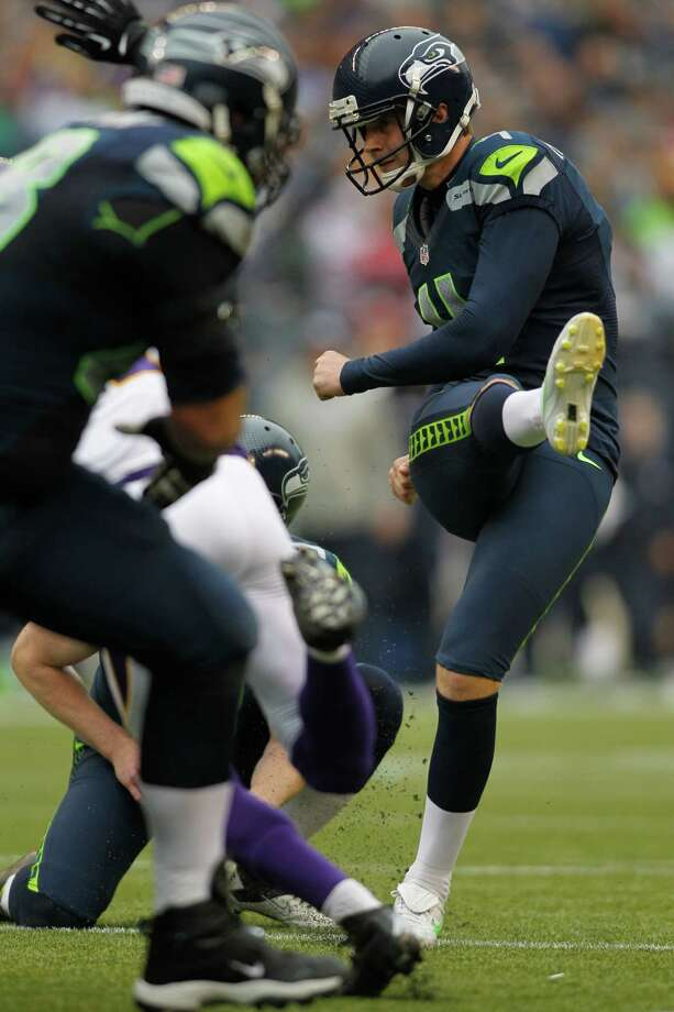 Seattle Seahawks' Steven Hauschka kicks the ball in the first half of an NFL football game against the Minnesota Vikings, Sunday, Nov. 4, 2012, in Seattle. Photo: AP