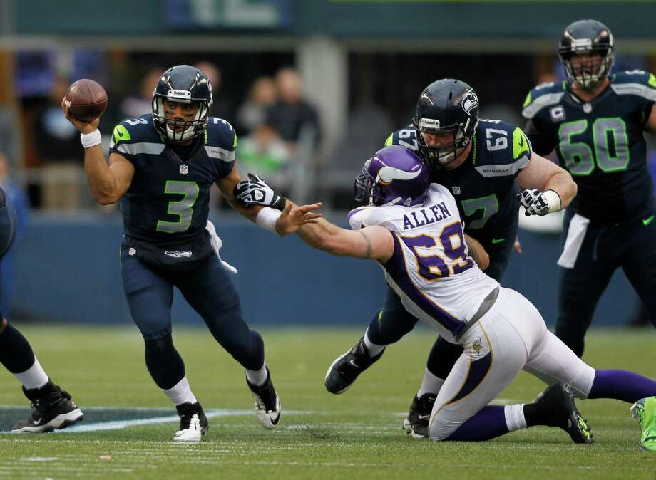 Seattle Seahawks' Russell Wilson in action against the Minnesota Vikings in the second half of an NFL football game, Sunday, Nov. 4, 2012, in Seattle. Photo: AP