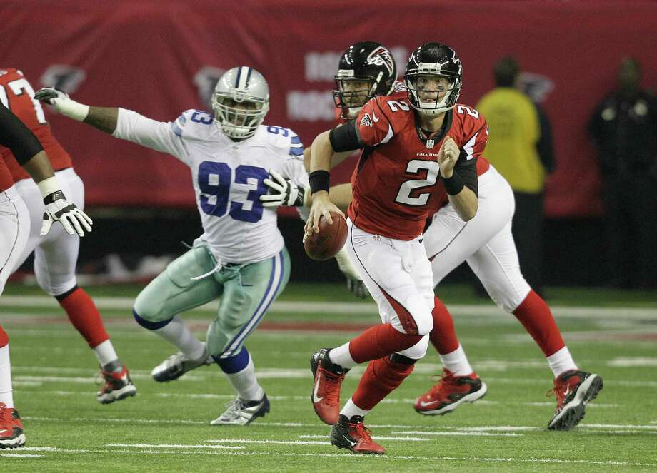 during the second half of an NFL football game Sunday, Nov. 4, 2012, in Atlanta. (AP Photo/Chuck Burton) Photo: Chuck Burton, Associated Press / AP