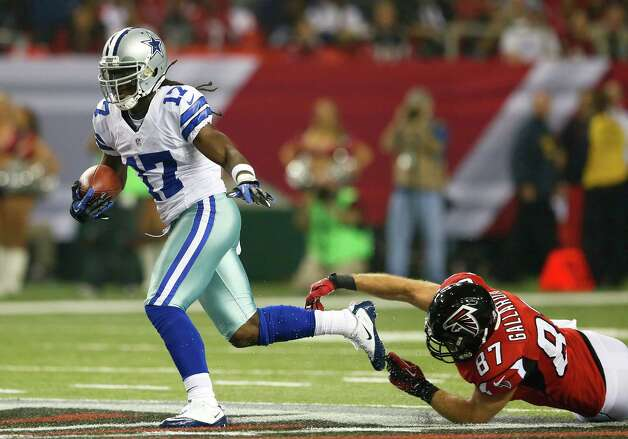 Dwayne Harris #17 of the Dallas Cowboys returns a punt past Tommy Gallarda #87 of the Atlanta Falcons at Georgia Dome on November 4, 2012 in Atlanta, Georgia. Photo: Kevin C. Cox, Getty Images / 2012 Getty Images