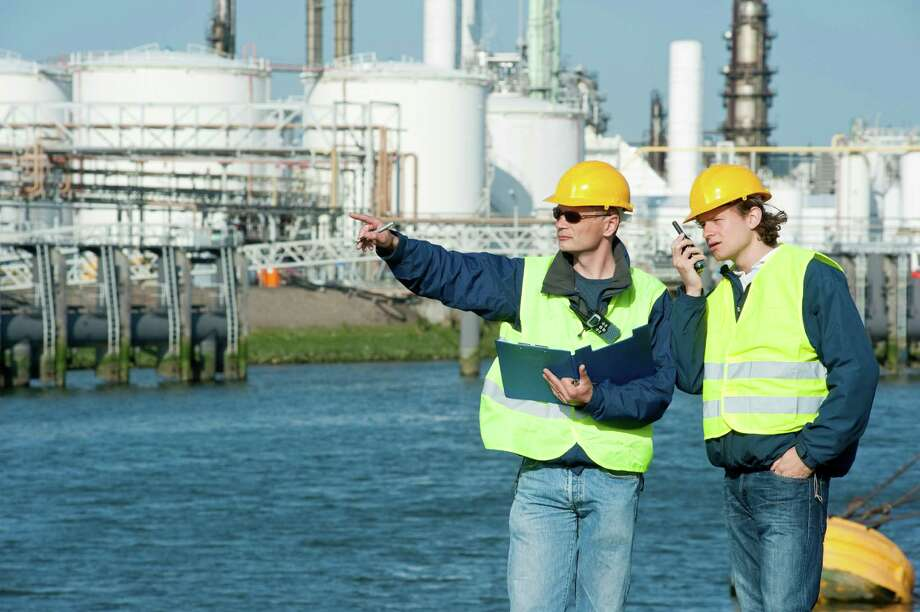 Petrochemical Engineers Photo: 36clicks / iStockphoto