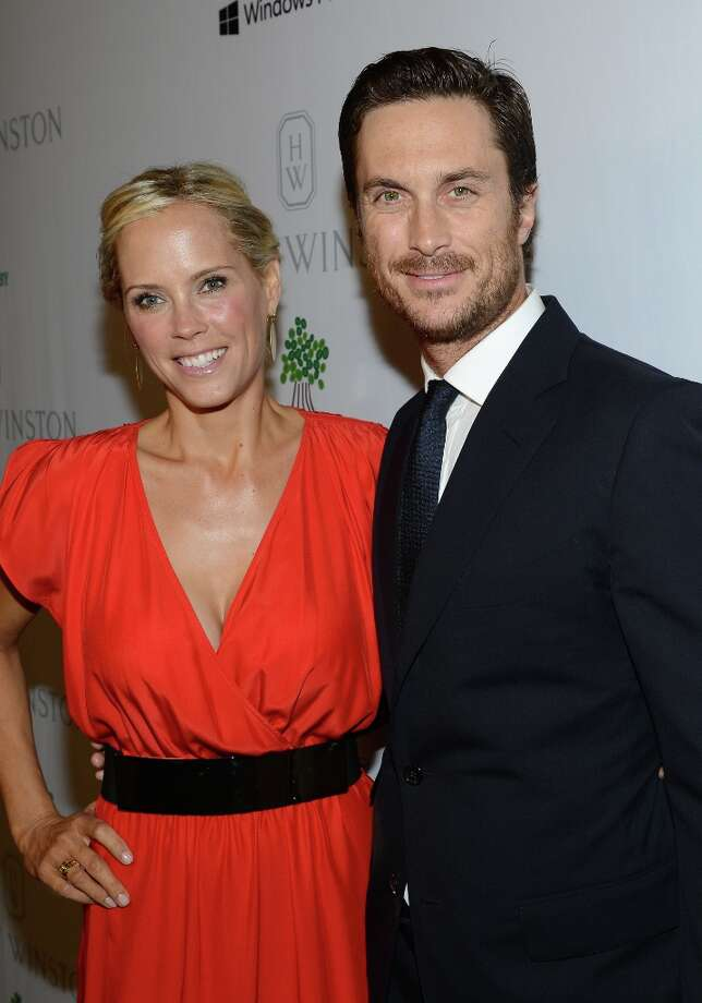 Actors Erinn Bartlett (L) and Oliver Hudson attend the First Annual Baby2Baby Gala event presented by Harry Winston honoring Jessica Alba at Book Bindery on November 3, 2012 in Culver City, California.  (2012 Getty Images) Photo: Michael Buckner / 2012 Getty Images