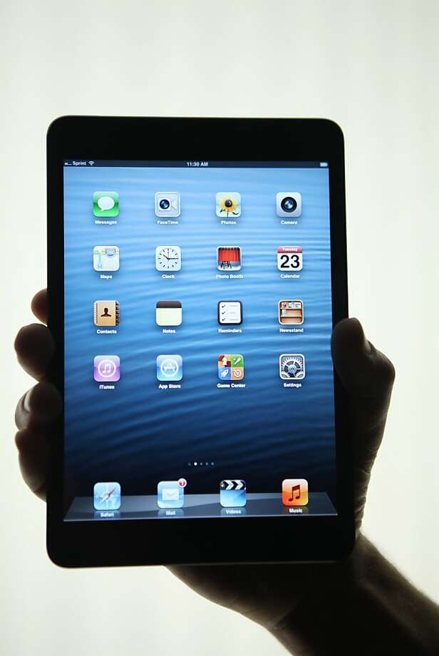 Apple's new iPad Mini demand exceeds supply. Photo: Kimihiro Hoshino, AFP/Getty Images