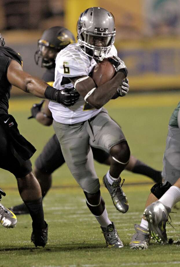 Oregon running back De'Anthony Thomas (6) runs against Arizona State during the first half of an NCAA college football game, Thursday, Oct. 18, 2012, in Tempe, Ariz.  (AP Photo/Matt York) (Associated Press)
