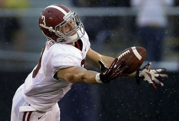 Alabama safety Vinnie Sunseri intercepts a pass during the first quarter of an NCAA college football game against Missouri Saturday in Columbia, Mo. (AP Photo/Jeff Roberson) (Associated Press)