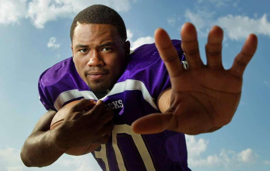 Morton Ranch running back Deion Williams rushed for 547 yards on 49 carries for 5 touchdowns against Katy Taylor. Photo: Brett Coomer, Houston Chronicle / © 2012 Houston Chronicle